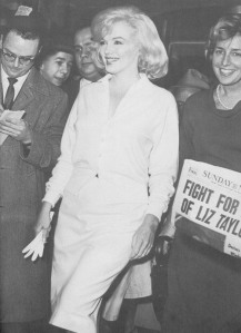 Marilyn leaves hospital with Pat, 1961