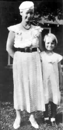 Norma Jeane Baker with her mother, Gladys