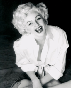 Holly-Beavon-Marilyn-Monroe-Seated-Laughing-sm