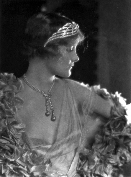 Jeanne Eagels by Clarence Sinclair Bull during filming of 'Man, Woman and Sin' at MGM (1927)