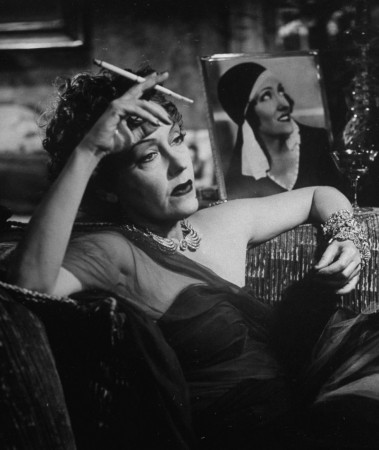 Swanson as Norma Desmond in 'Sunset Boulevard' (1950)